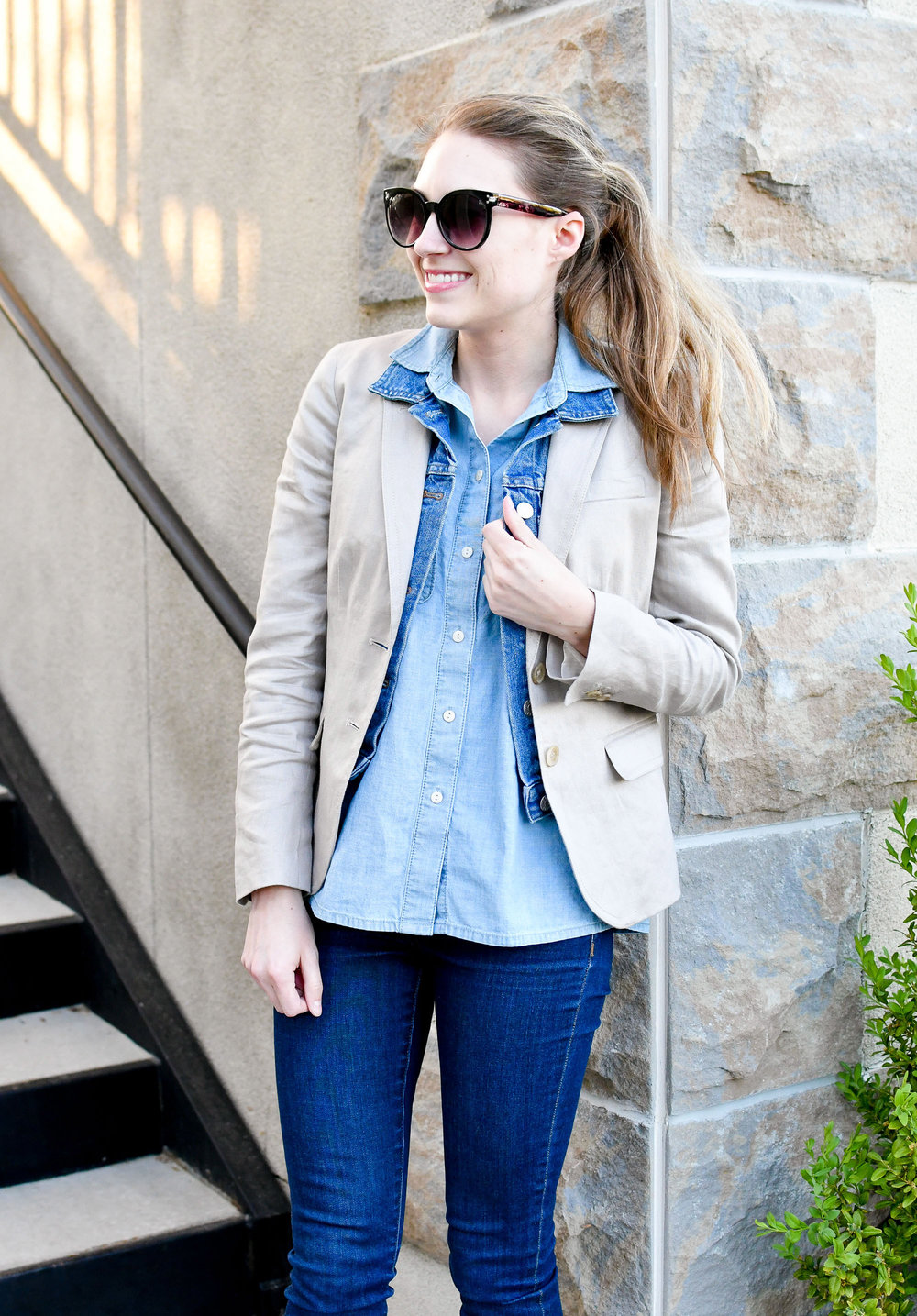 Linen blazer and denim spring outfit — Cotton Cashmere Cat Hair
