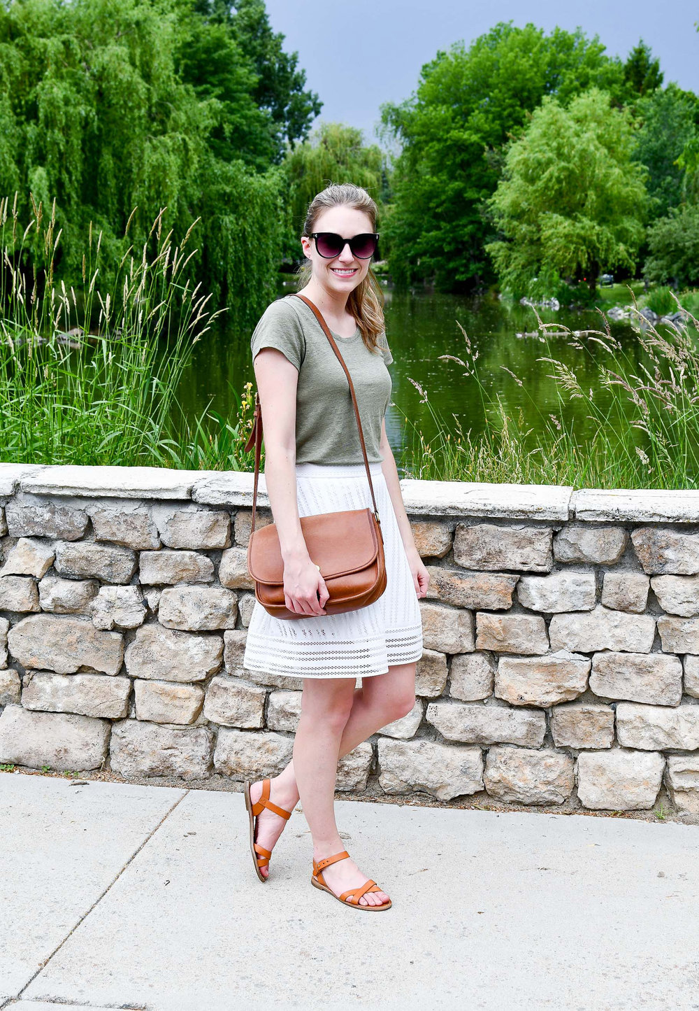 Spring outfit with moss green and cognac — Cotton Cashmere Cat Hair