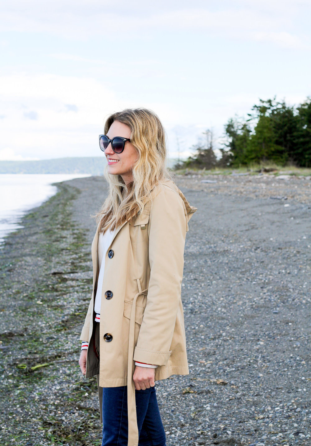 Short trench coat spring outfit — Cotton Cashmere Cat Hair