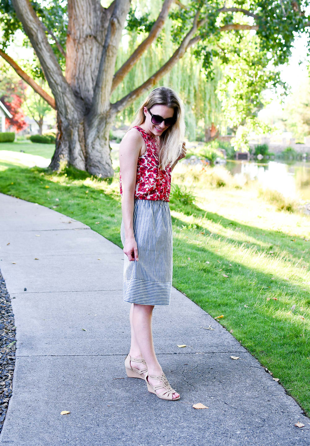 4th of July summer outfit with mixed prints — Cotton Cashmere Cat Hair