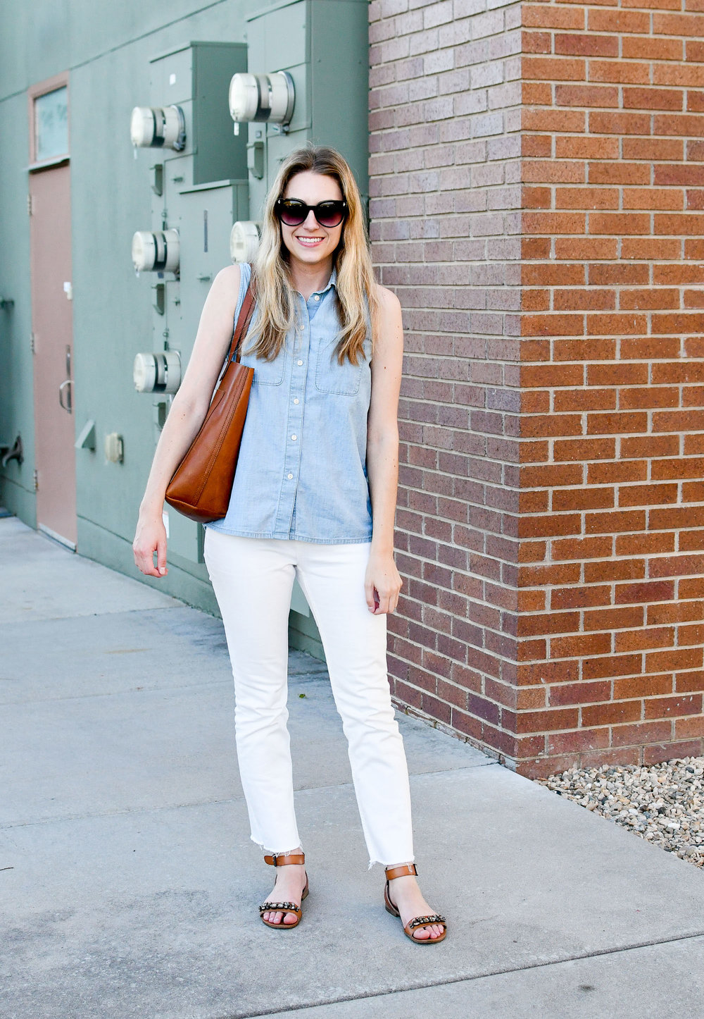 Work outfit with chambray shirt and kick crop jeans — Cotton Cashmere Cat Hair