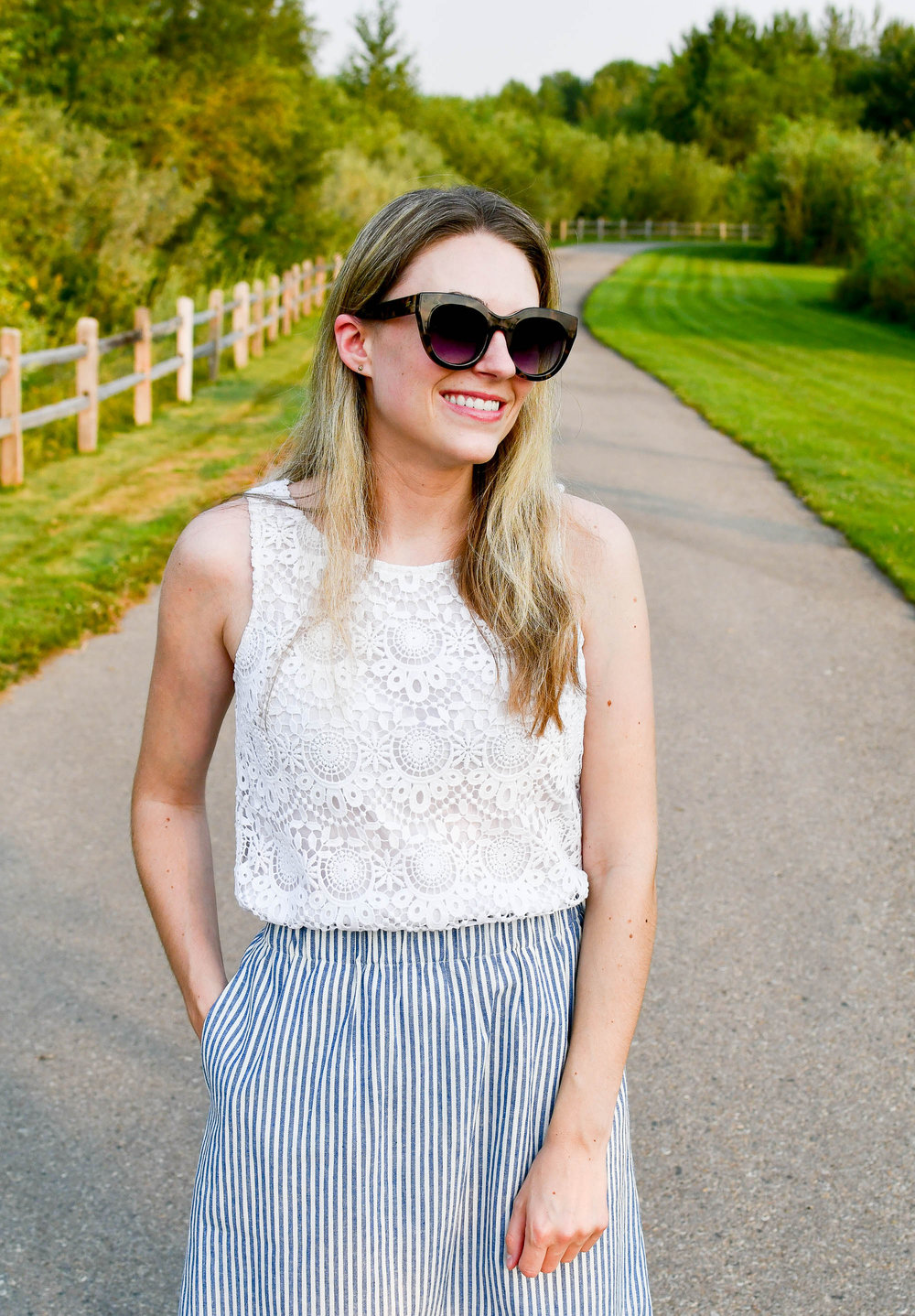 Lace tank top summer outfit — Cotton Cashmere Cat Hair