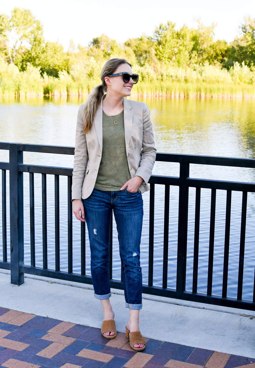 Summer work outfit with linen blazer and linen tee — Cotton Cashmere Cat Hair