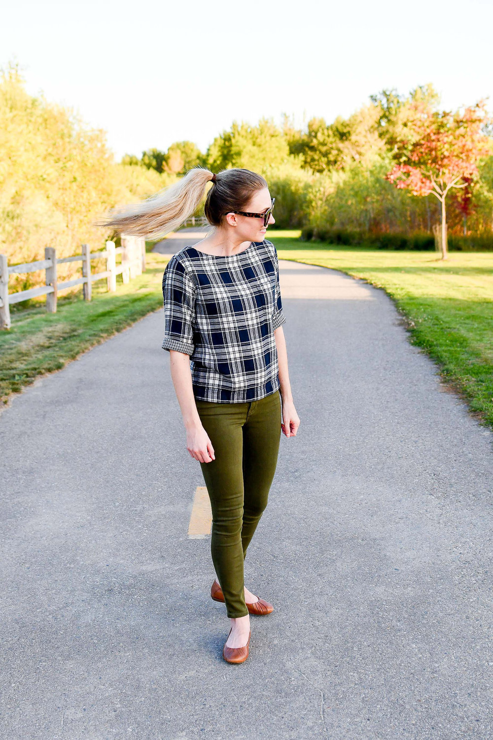 Casual fall outfit - blogger blooper — Cotton Cashmere Cat Hair