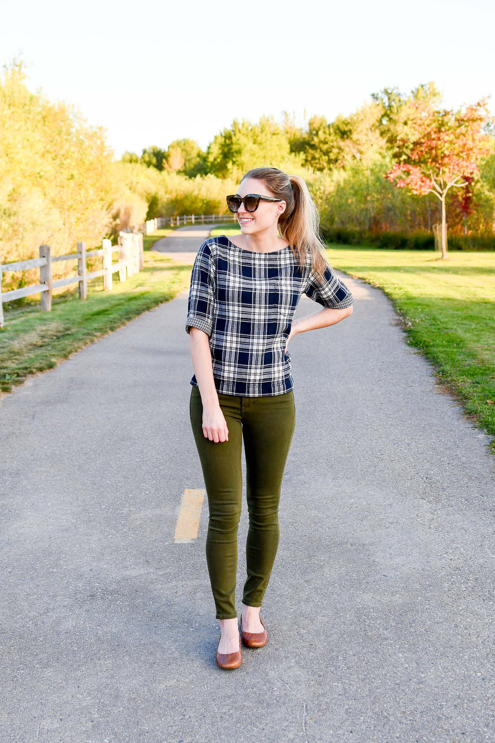 Madewell olive green skinny jeans fall outfit — Cotton Cashmere Cat Hair