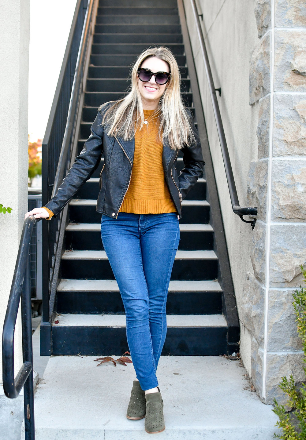Fall casual outfit with pumpkin sweater and olive boots — Cotton Cashmere Cat Hair