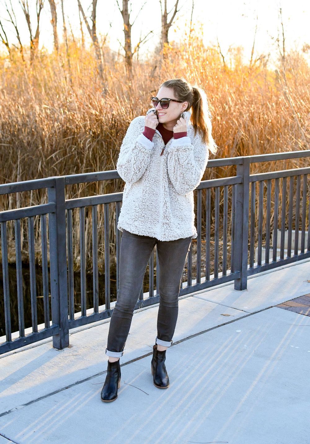Nubby pullover cozy fall outfit with grey jeans and black boots — Cotton Cashmere Cat Hair