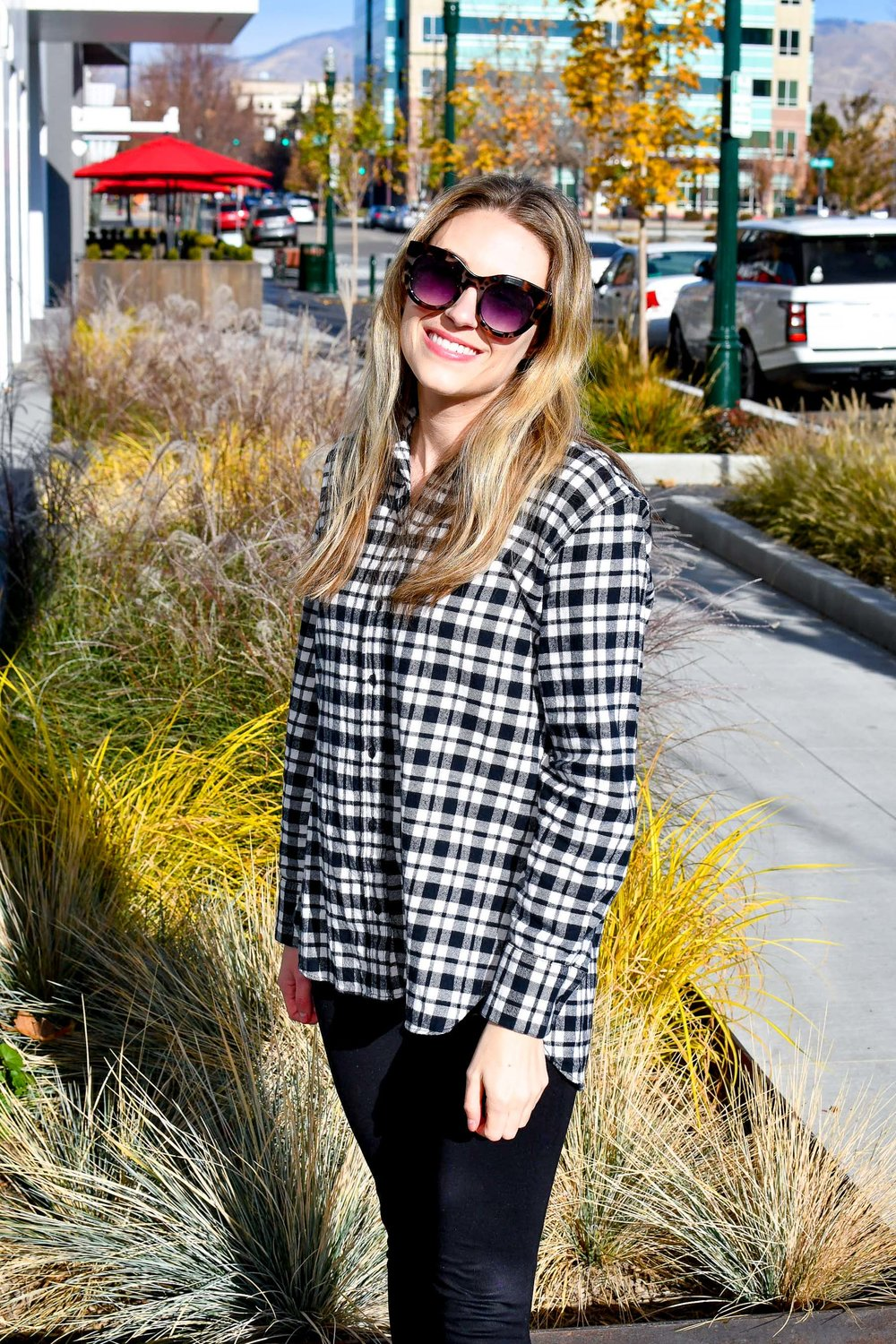 Madewell oversized flannel shirt fall outfit — Cotton Cashmere Cat Hair