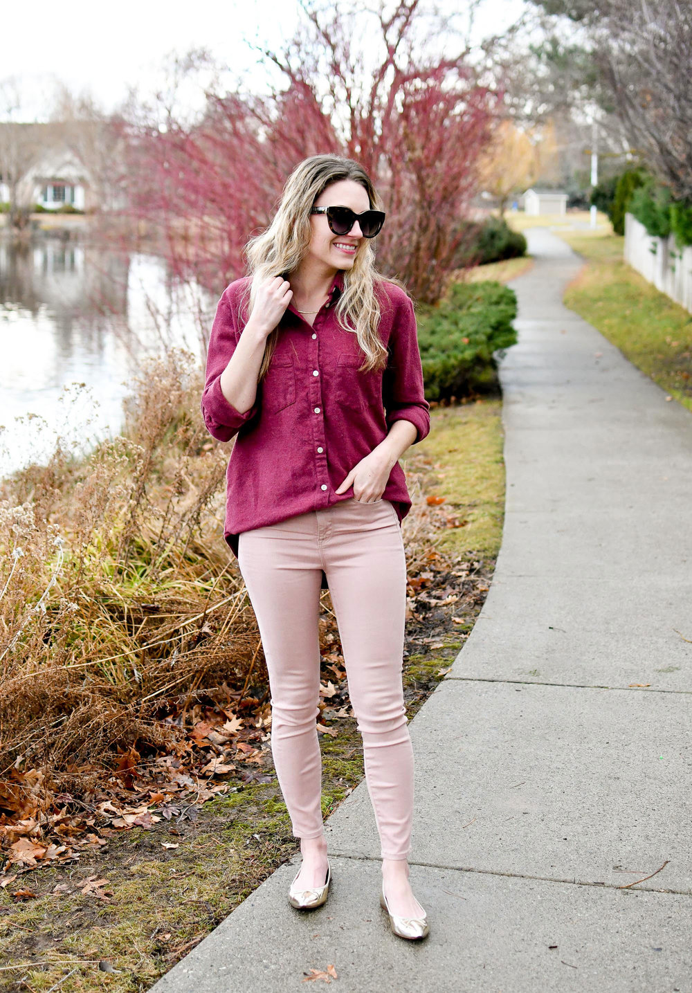 Burgundy and pink casual outfit for Valentine's Day — Cotton Cashmere Cat Hair
