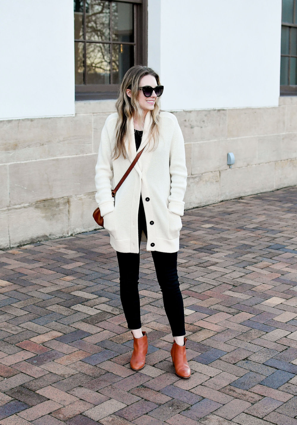 Casual winter outfit with Everlane cardigan and black skinny jeans — Cotton Cashmere Cat Hair