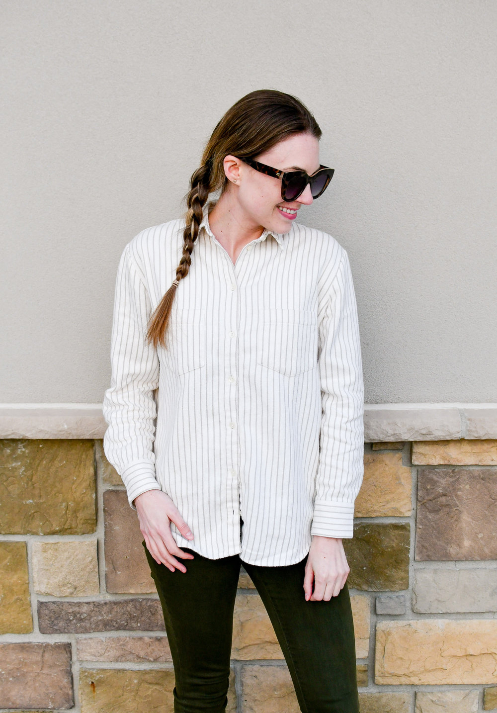 Casual spring outfit with striped flannel shirt — Cotton Cashmere Cat Hair