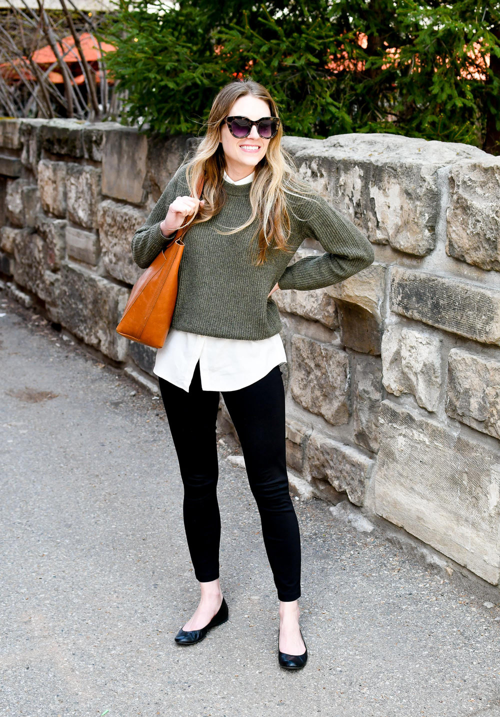 Spring work outfit with Everlane cashmere sweater, ponte pants, Transport tote — Cotton Cashmere Cat Hair