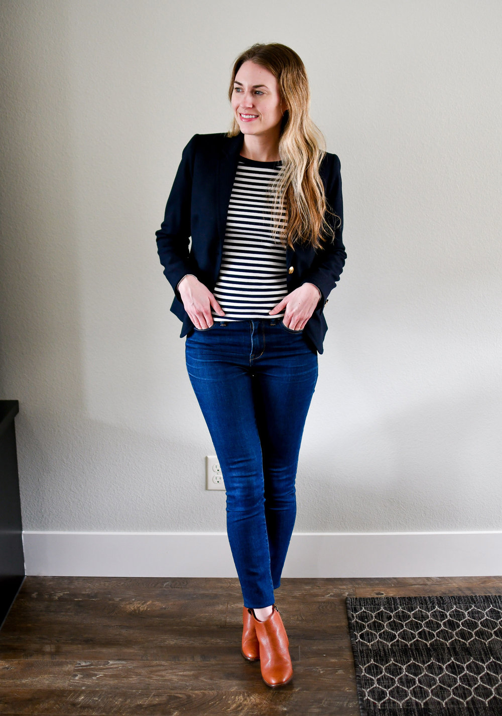 Navy blazer spring work outfit with striped tee and ankle boots — Cotton Cashmere Cat Hair