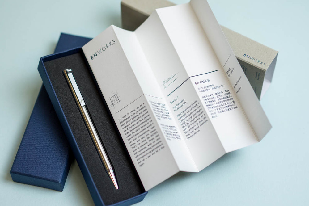 The BNdot comes in gorgeous packaging with a handsome box, beautifully-designed fold-out information sheet and snug foam insert.