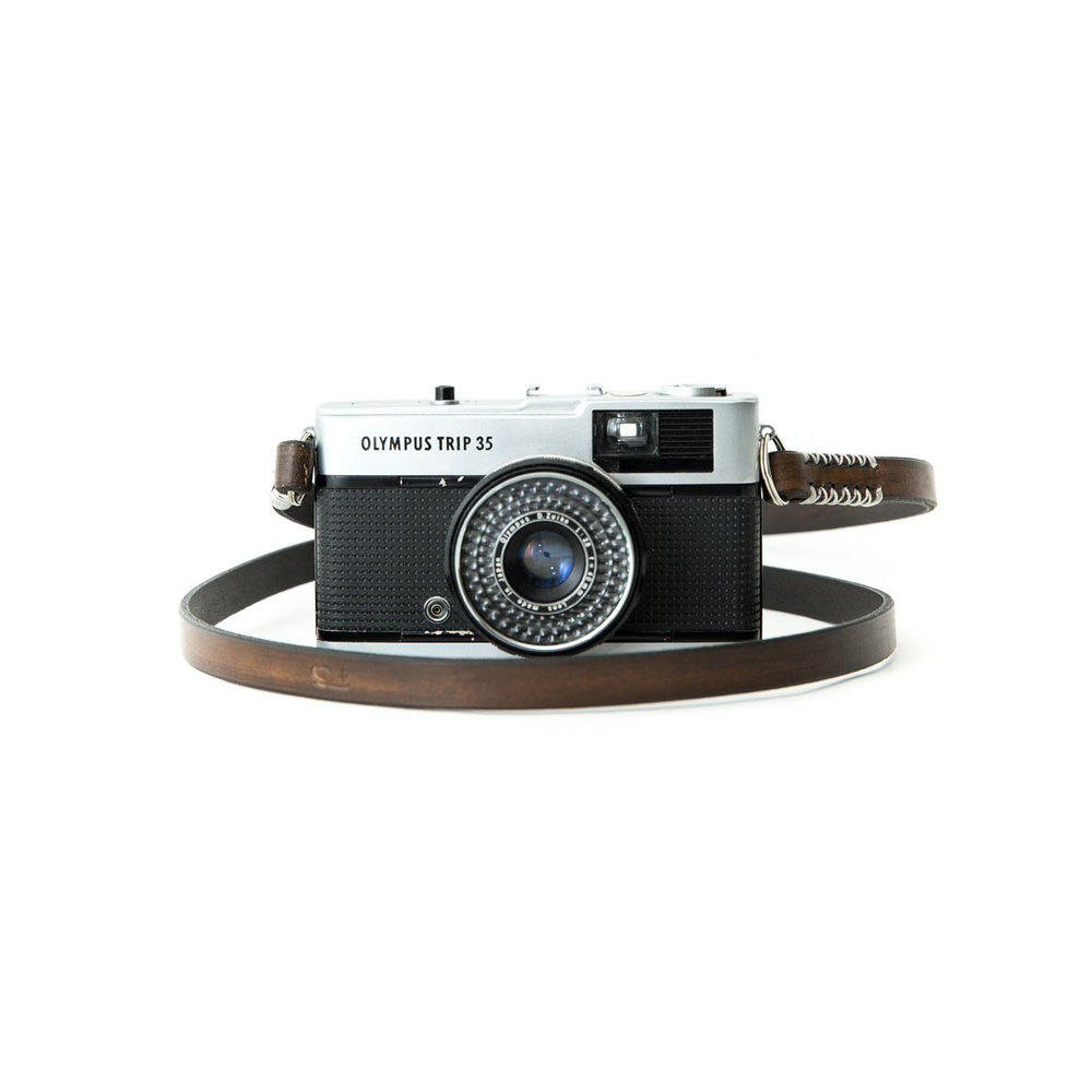 sail-handmade-leather-camera-strap-made-in-the-uk_3dcaf428-22f8-40f3-b99d-77e9470ea1f4.jpg