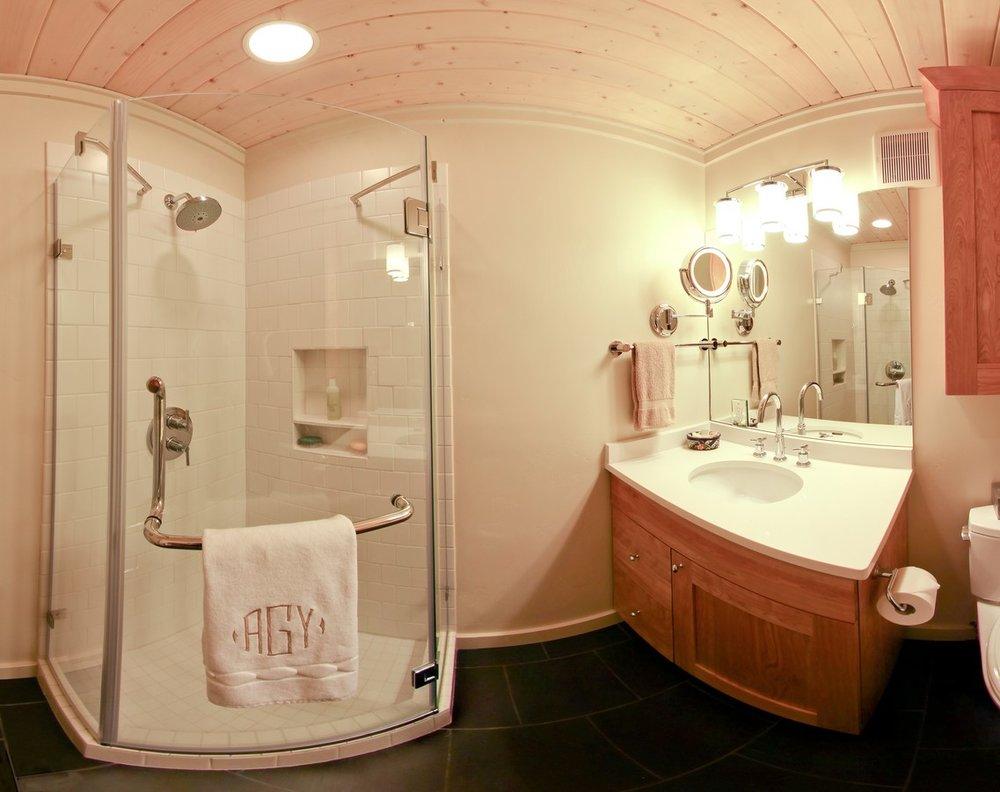 123 guest bath cyl adj_1500_900_2000k.jpg