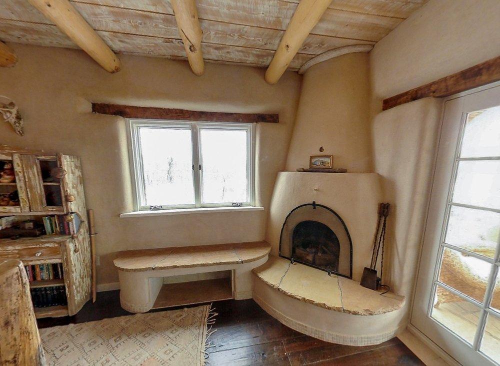 fireplace_1500_900_2000k.jpg