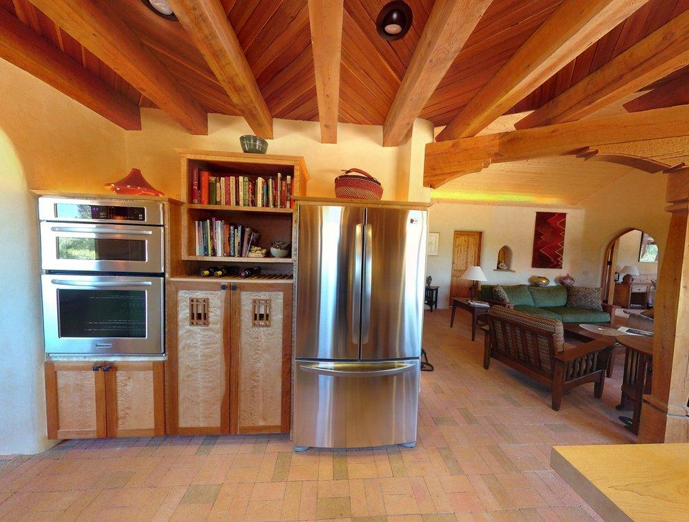 MK kitchen3_1500_900_2000k.jpg