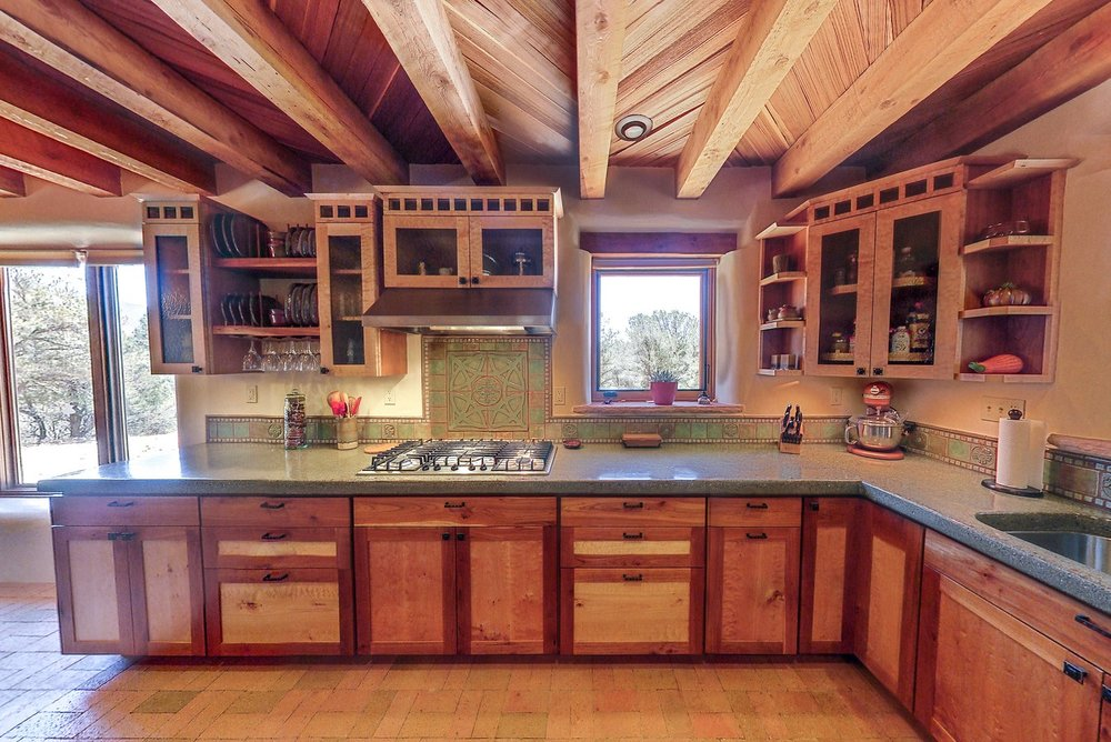 kitchen_slideshow_2_1500_900_2000k.jpg