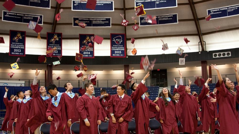 Graduation_2106_caps.jpg