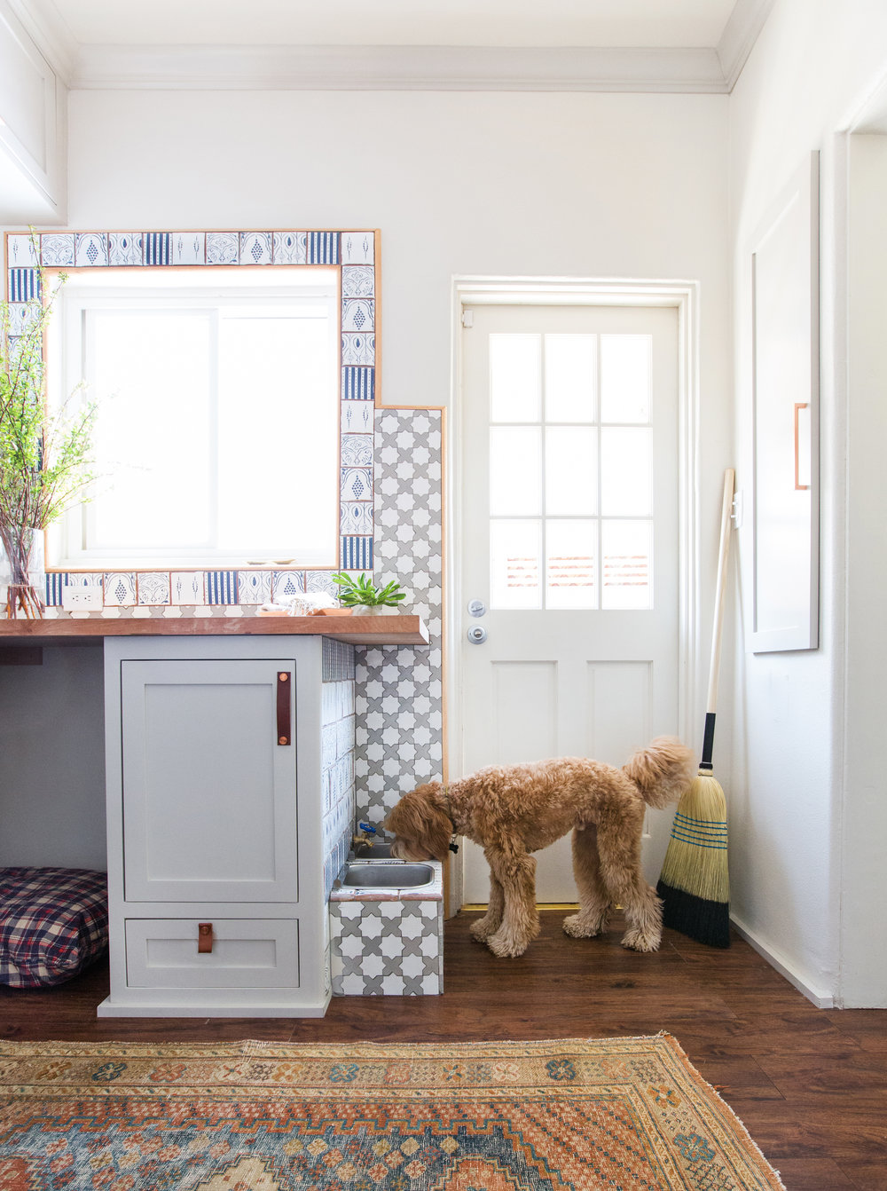 A Utilitarian Space Never Looked So Good: A Fresh Laundry Room Makeover - Copy byCYNTHIA BAXTERDesigner Stefani Stein Gives Tips on Maximizing Storage & Adding Style to a Typically Mundane RoomIt has been estimated that the average mother spends five months of her life doing laundry. Unfortunately, typical laundry rooms are usually pretty uninspiring spaces in which to spend so much time. And chores are already something that we don't look forward to, so why not at least make these spaces more stylish and enjoyable to be in?Designer Stefani Stein did just for her clients in this beautiful laundry room makeover – a shining example of blending form and function. We asked her to share some ideas on how to create beautiful working spaces.full story