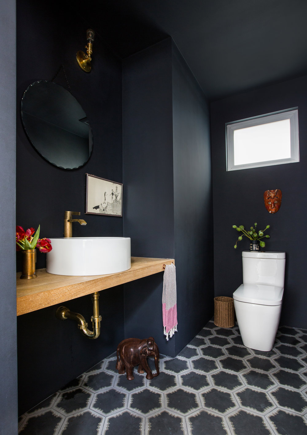 Gorgeous Black and White Bathrooms - Inspiration - Dering Hall - Black and white is probably the ultimate color combination for creating a classic look. Find inspiration in these 40 black and white bathrooms for your next flooring, wall treatment, and cabinetry projects.