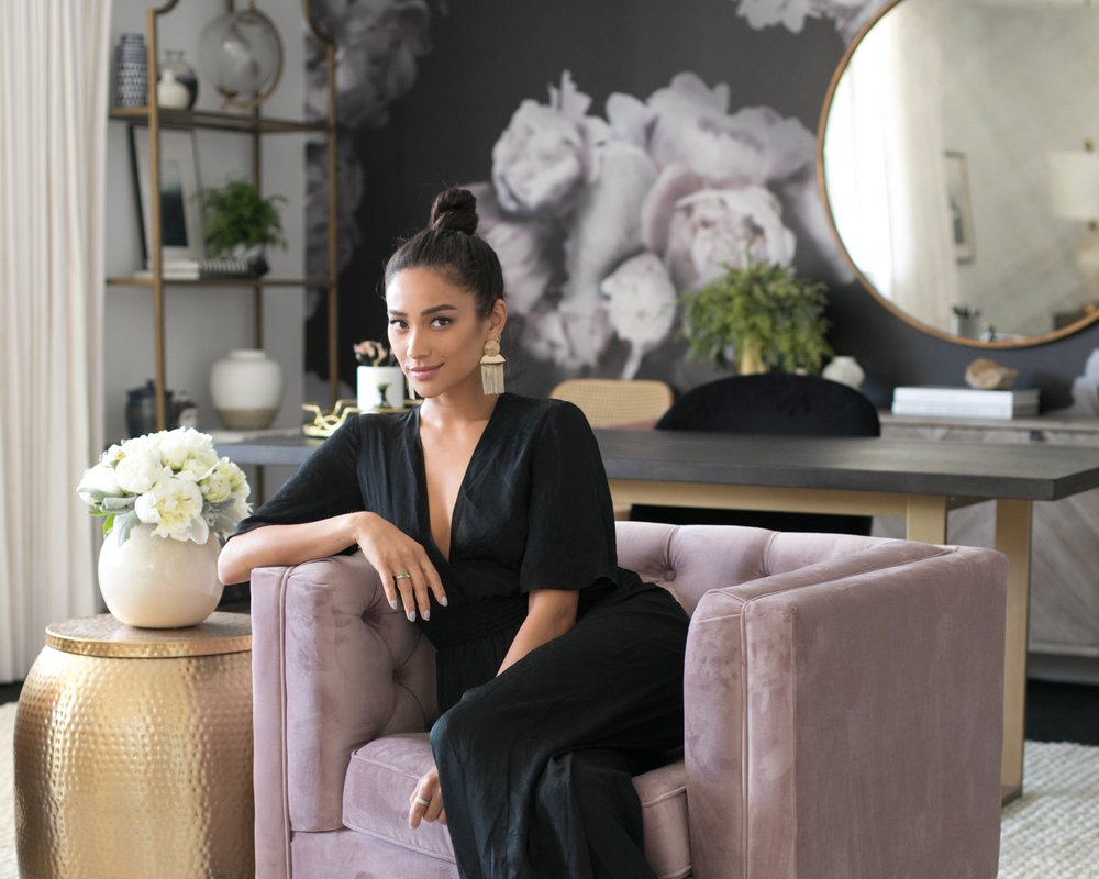 AN EXCLUSIVE LOOK INSIDE SHAY MITCHELL'S STUNNING OFFICE REMODEL - The Pretty Little Liars star enlists Decorist to revamp her office as she starts a new chapter.BY LUCIA TONELLISEP 4, 2018