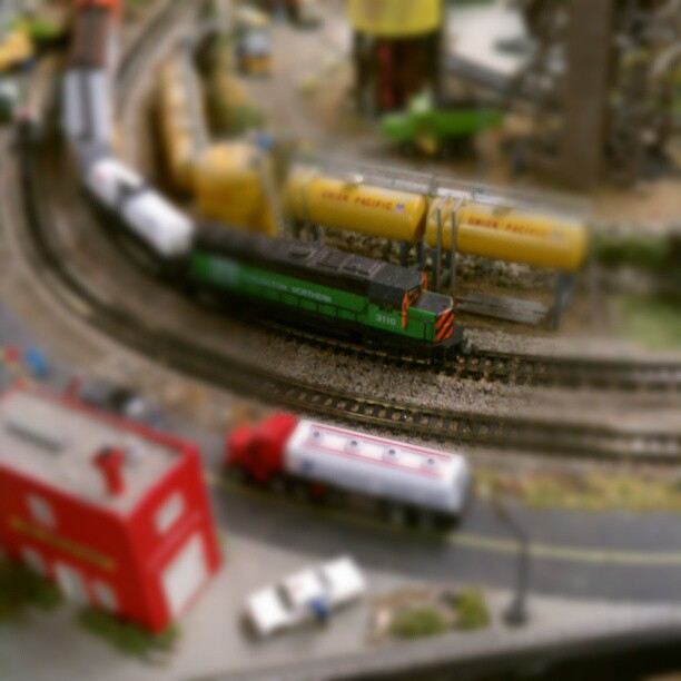 #trains  http://instagr.am/p/Sa5s7GsBte/