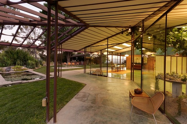 project-ojai-modern-residence-Freshome-dish.jpg