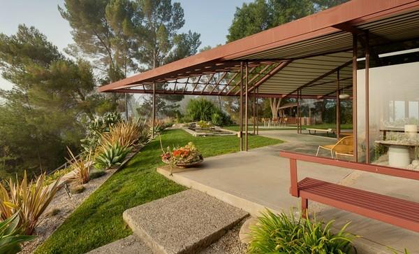 project-ojai-modern-residence-Freshome-patio.jpg