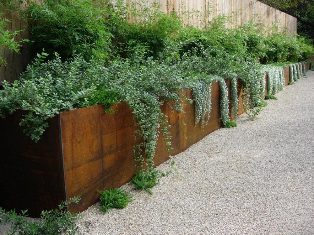 project-verde-vista-2006-October-steel-planter.jpg