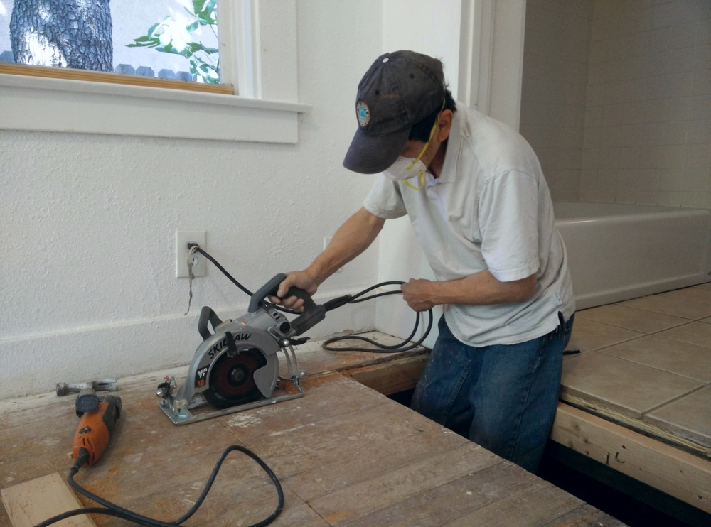 With handheld saws, damaged floorboards are easily cut out without compromising the rest of the floor.