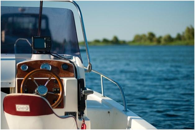 private boat.jpg