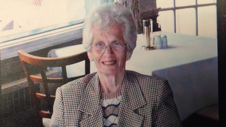 Helen Robertson 2.jpg