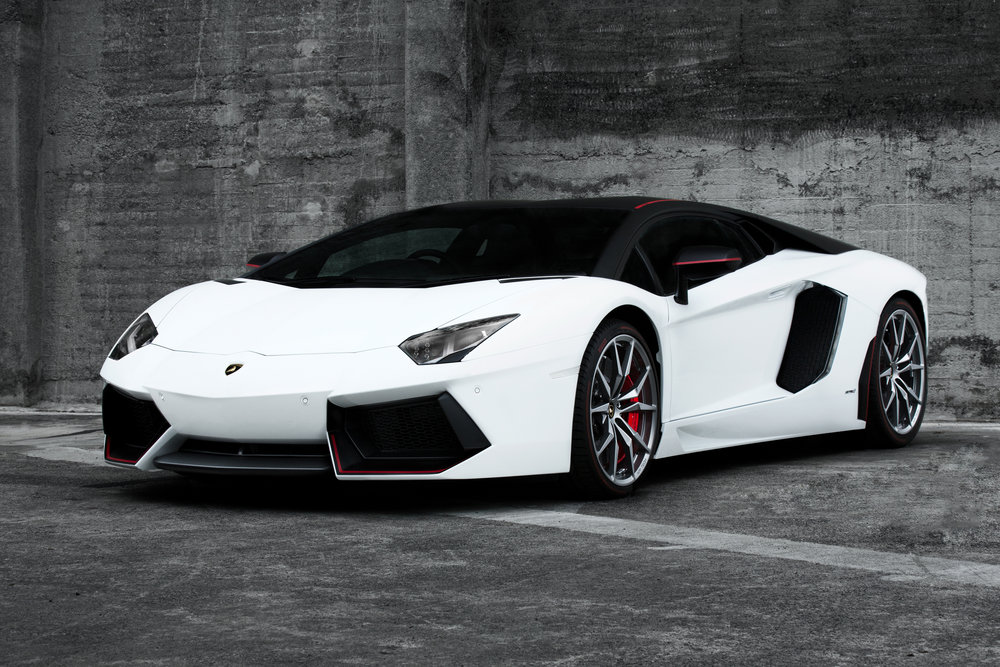 Lamborghini Aventador.jpg
