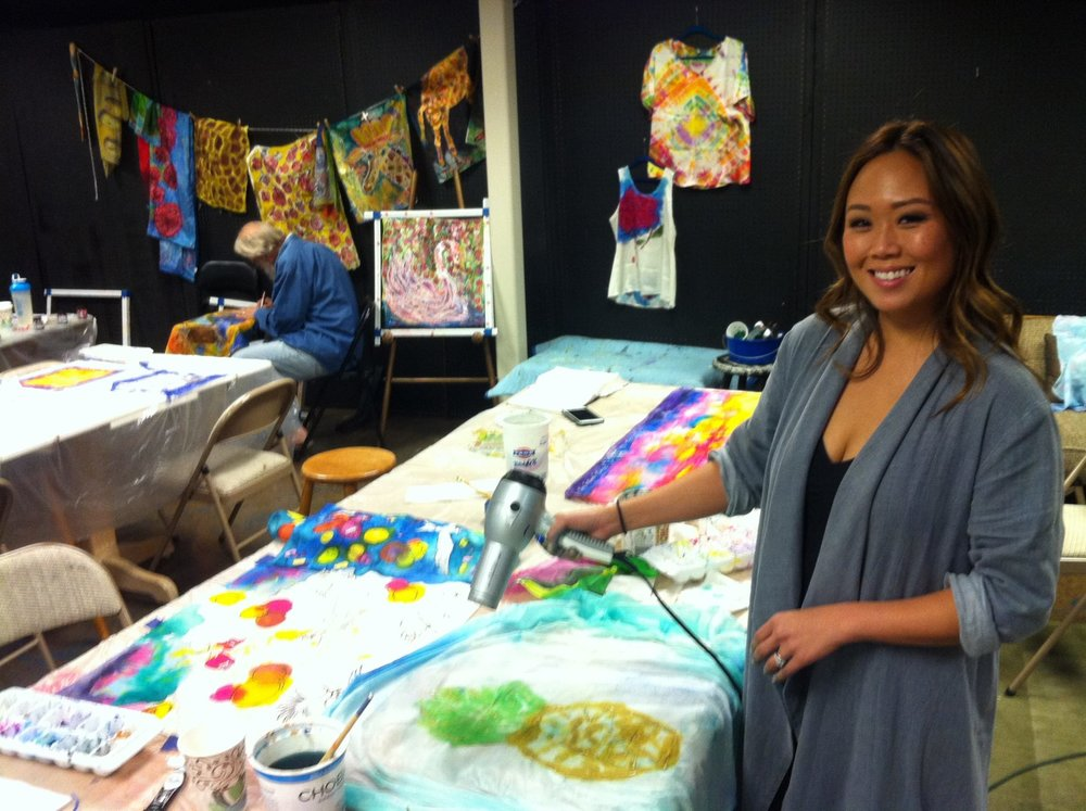 Lisa joined us from Santa Ana, USA at our last workshop. Check out the pineapple silk she created!