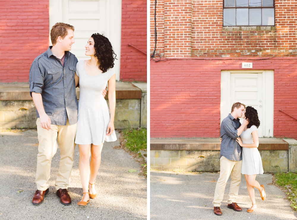 downtown-easton-maryland-md-vintage-lifestyle-engagement-session-brooke-michelle-photography-2-photo.jpg
