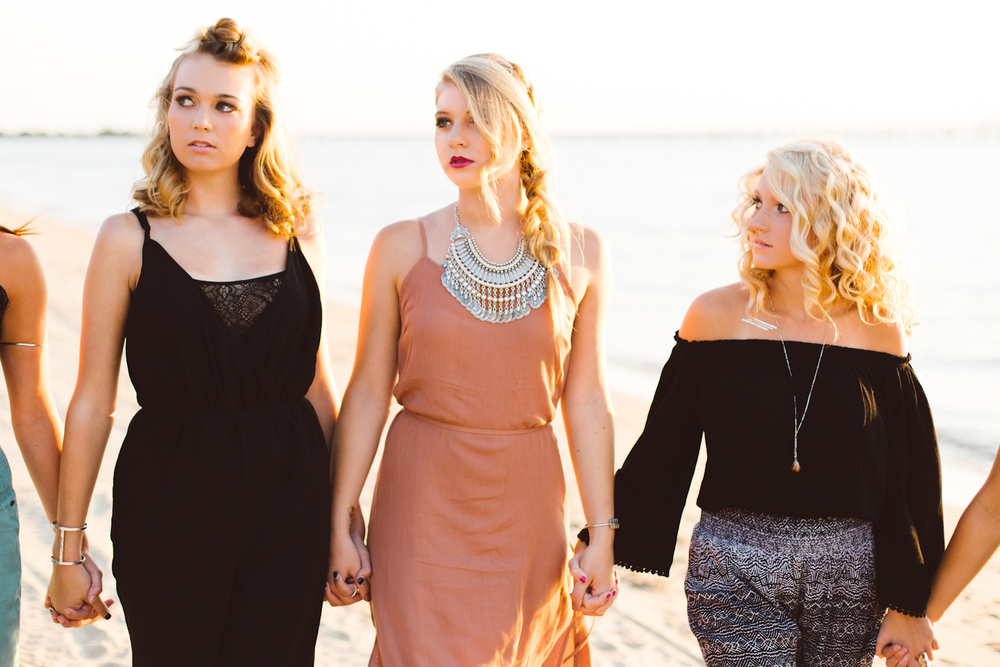 gypsy-soul-beach-senior-group-session-annapolis-maryland-class-of-2016-brooke-michelle-photography-boho-inspiration-1-photo.jpg