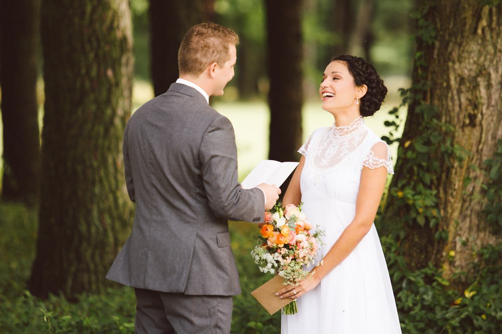 first-look-boho-vintage-wedding-inspo-salisbury-maryland-brooke-michelle-photography-6.jpg