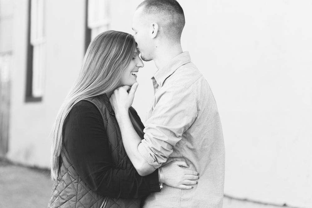 downtown-annapolis-engagement-session-inspo-brooke-michelle-photography-9.jpg