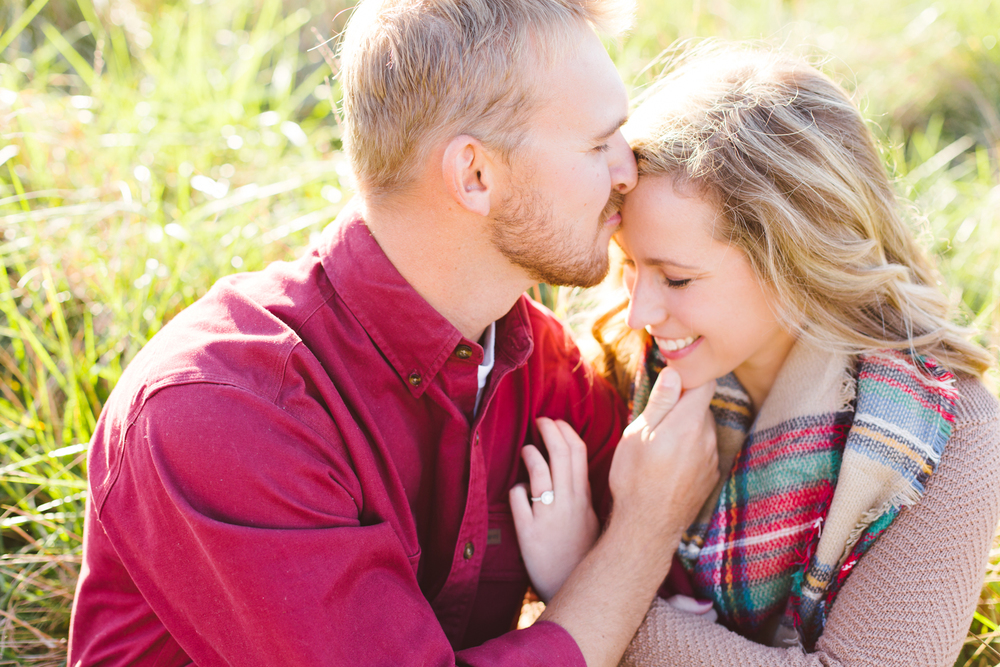 eastern-shore-maryland-sun-filled-engagement-session-brooke-michelle-photography-12-photo.jpg