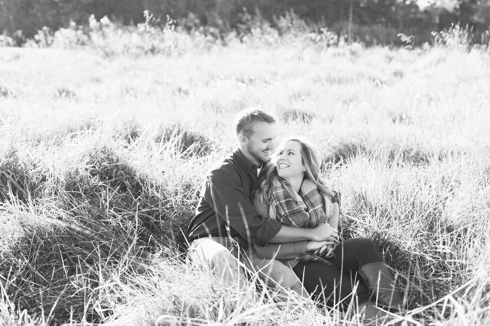 eastern-shore-maryland-sun-filled-engagement-session-brooke-michelle-photography-14-photo.jpg