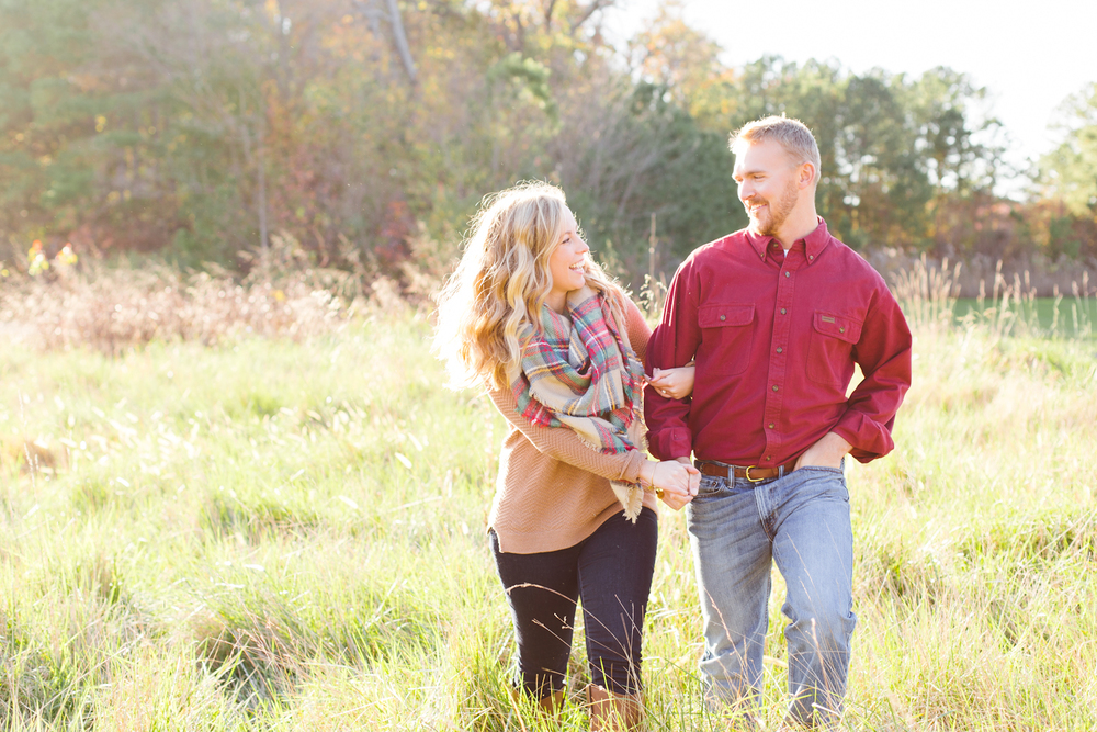 eastern-shore-maryland-sun-filled-engagement-session-brooke-michelle-photography-25-photo.jpg