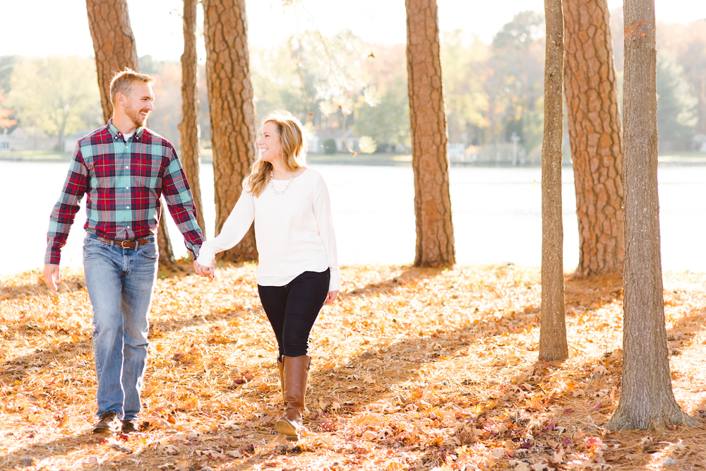 eastern-shore-maryland-sun-filled-engagement-session-brooke-michelle-photography-44.jpg