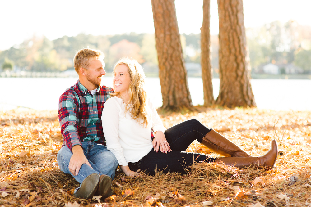 eastern-shore-maryland-sun-filled-engagement-session-brooke-michelle-photography-65.jpg