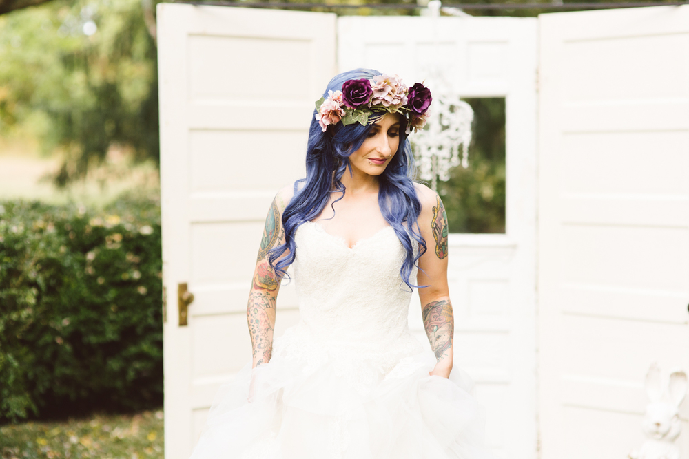 blue-hair-bride-secret-garden-themed-sareh nouri-gown-bridal-session-maryland-brooke-michelle-photography-14-photo.jpg
