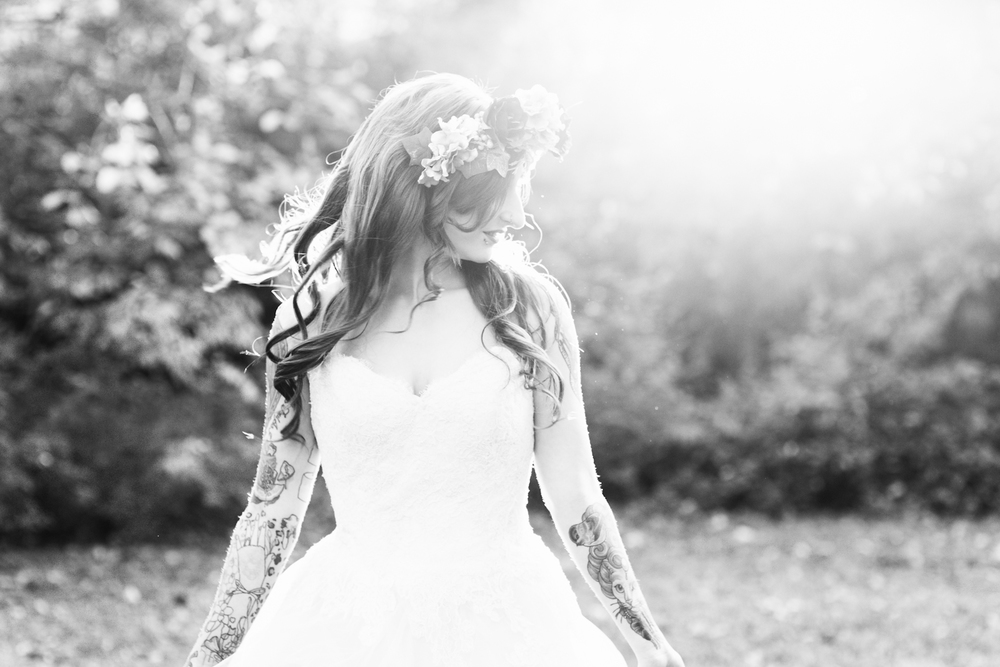 blue-hair-bride-secret-garden-themed-sareh nouri-gown-bridal-session-maryland-brooke-michelle-photography-107-photo.jpg