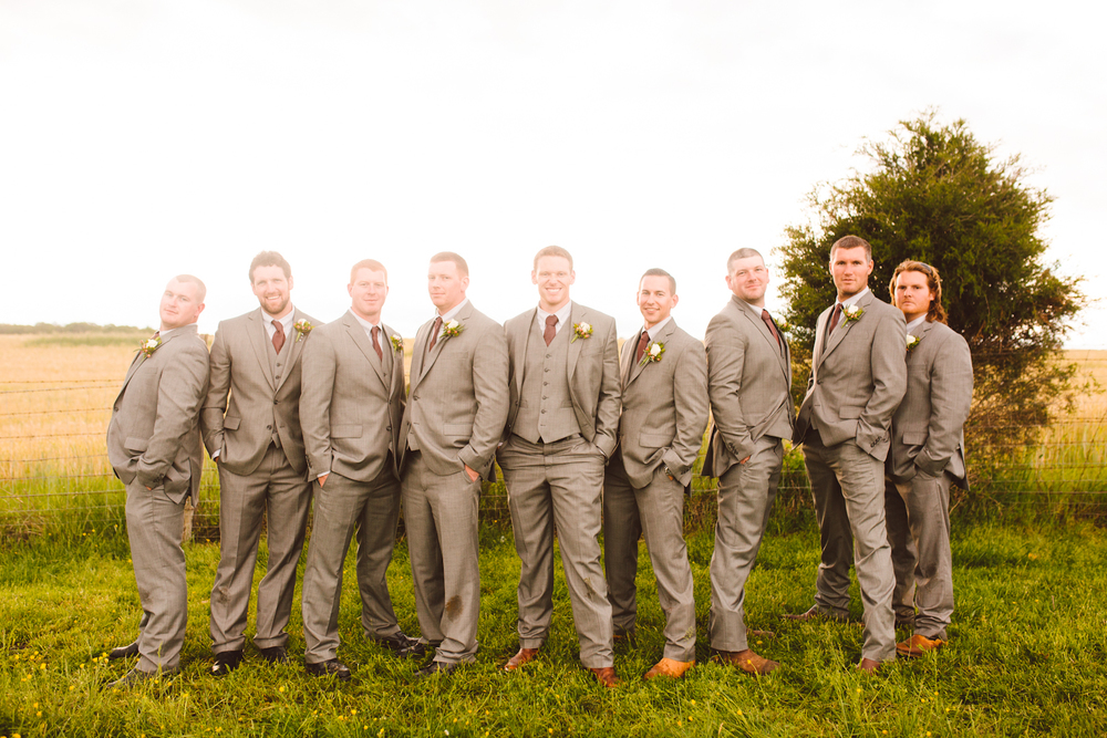brittany-and-chris-family-farm-whimsical-maryland-wedding-brooke-michelle-photography-70.jpg