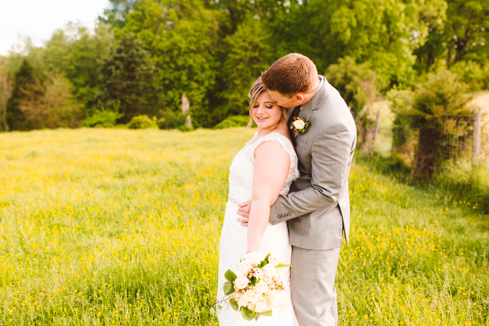 brittany-and-chris-family-farm-whimsical-maryland-wedding-brooke-michelle-photography-71.jpg