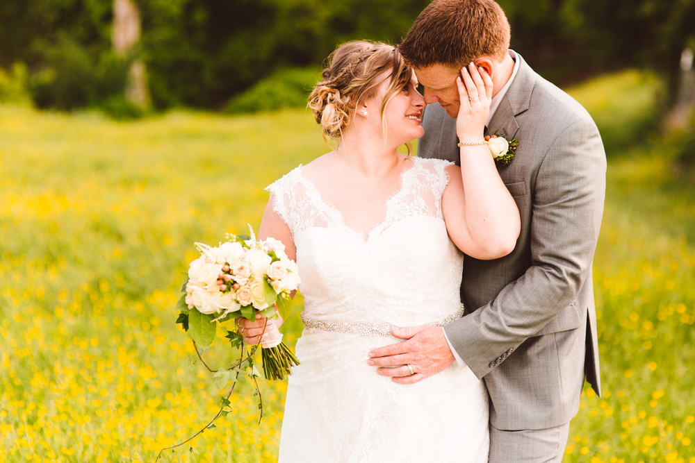 brittany-and-chris-family-farm-whimsical-maryland-wedding-brooke-michelle-photography-72.jpg